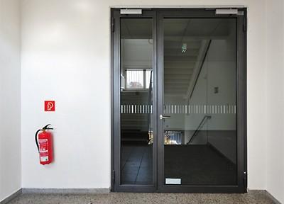 Brandschutzsanierung in drei Dresdener Schulen vom Typ R81