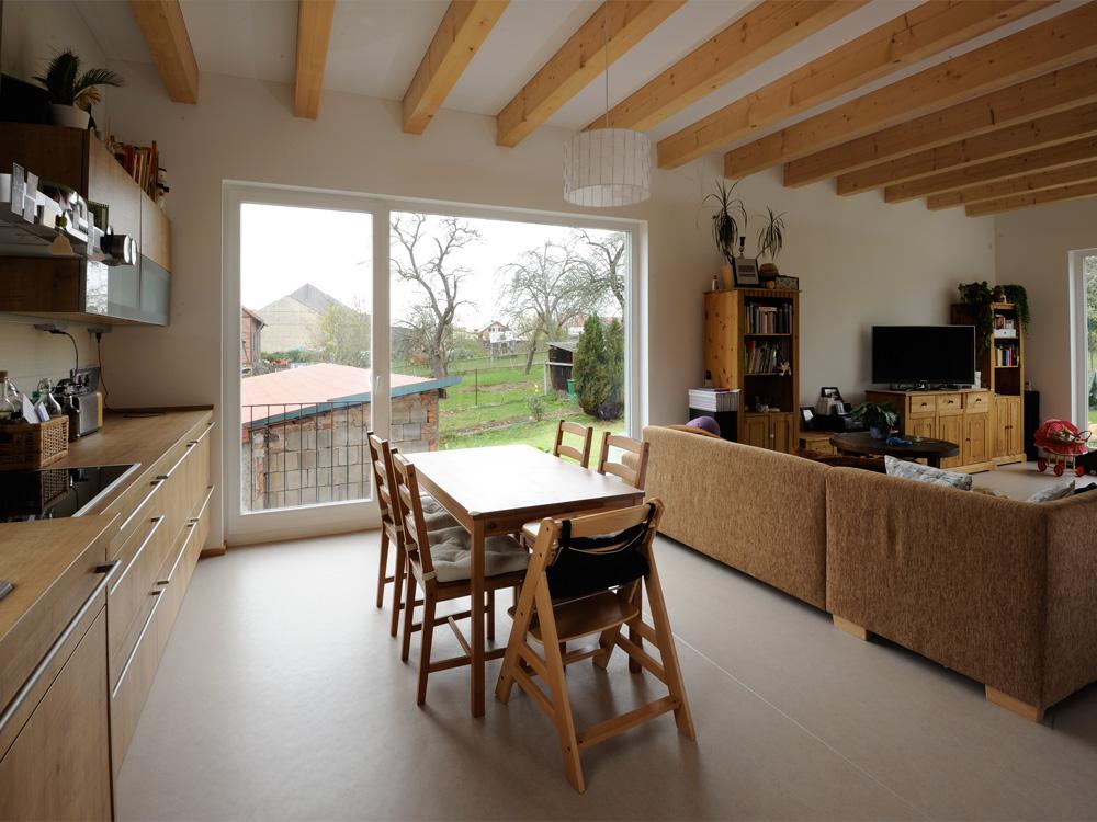 Küche und Wohnzimmer Haus L