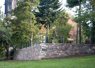 Trockenmauer im Pfarrgarten Altkaditz