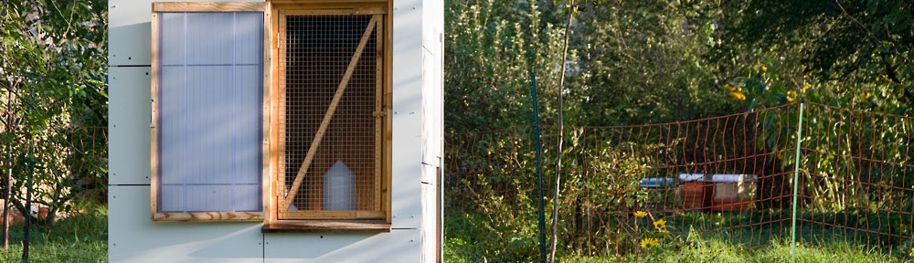 Mobiler Hühnerstall mit wiederverwendeter Alucobond-Fassade