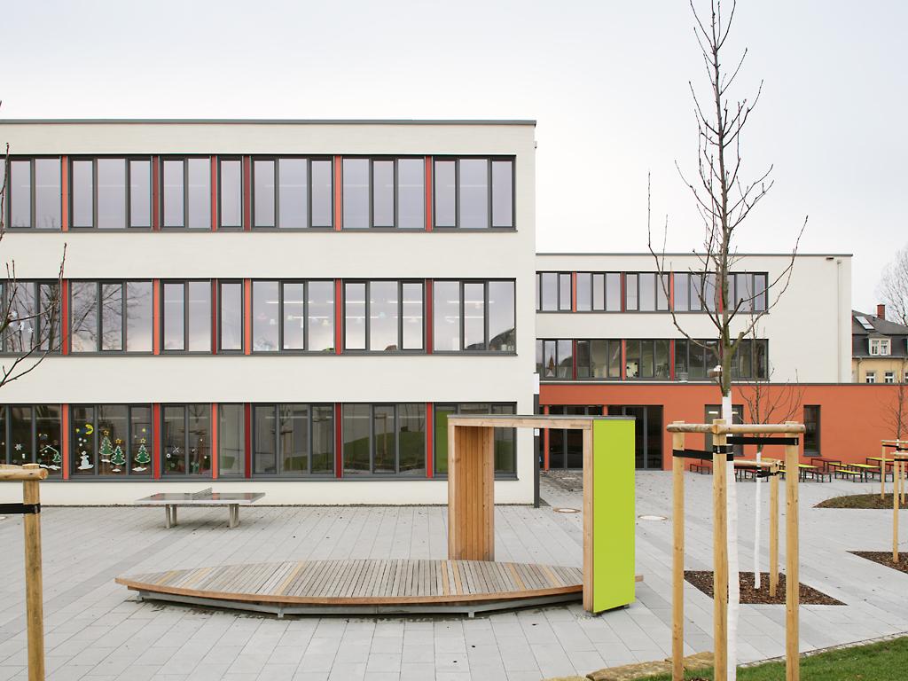 Schulhof-Grundschule-Micktner-Str